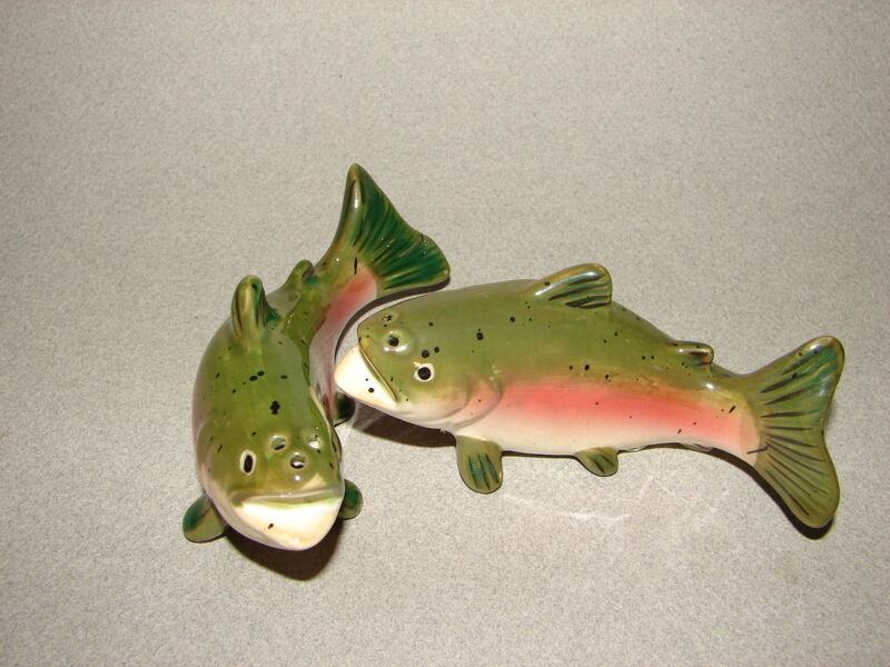 "NEW! Bass Rainbow Trout Fish Salt & Pepper Shakers 4"" Gone Fishing Fly Rod Catch"