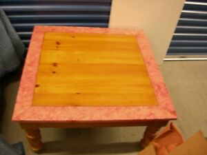 Pine-Coffee-Table-By-Broyhill