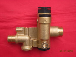 Heatline-Capriz-25-28-Vizo-24-Diverter-Valve-3003200017-D003200017