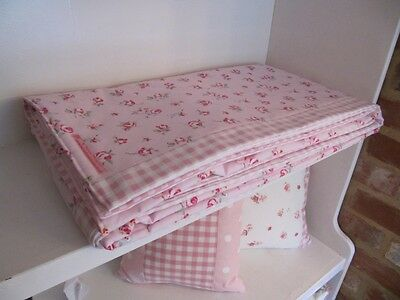 Roses Cot Padded Quilted Bedspread