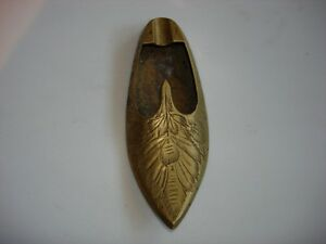 VINTAGE-BRASS-ALADDIN-SHOE-DECOR-ASHTRAY-HAND-HELD