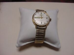 Vintage-Gold-Colored-Helbros-Mens-Invincible-West-Germany-Stretch-Band-Watch