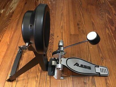 Alesis Kick Pad Trigger & Pedal NEW Nitro/DM10 Electronic Drums DMPad Bass