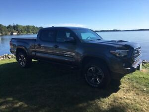 2017 Toyota Tacoma TRD Off Road Only 39200 km
