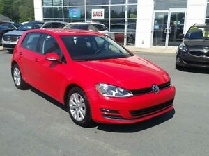 2015 Volkswagen Golf 2.0 TDI Comfortline Winter tires include...