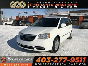 2016 Chrysler Town & Country Touring / Back Up Camera