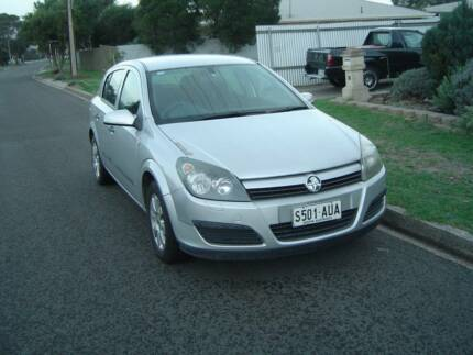 For sale holden astra my04 only 62000km on clock cars vans 2005 holden astra hatchback fandeluxe Image collections