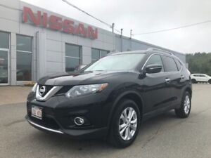 2014 Nissan Rogue SV with Moonroof, All Wheel Drive