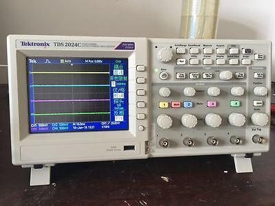 Tektronix Tds2024c Digital Oscilloscope