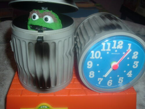 Collectible Sesame Street Oscar the Grouch Bradley Talking Alarm Clock,Tics/Talk
