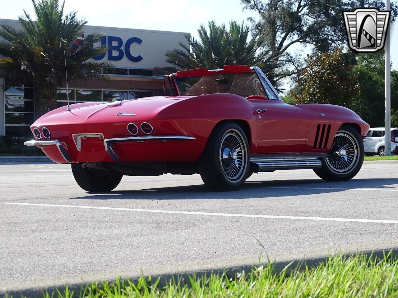 1965 Red Chevrolet Corvette Stingray  | C2 Corvette Photo 8