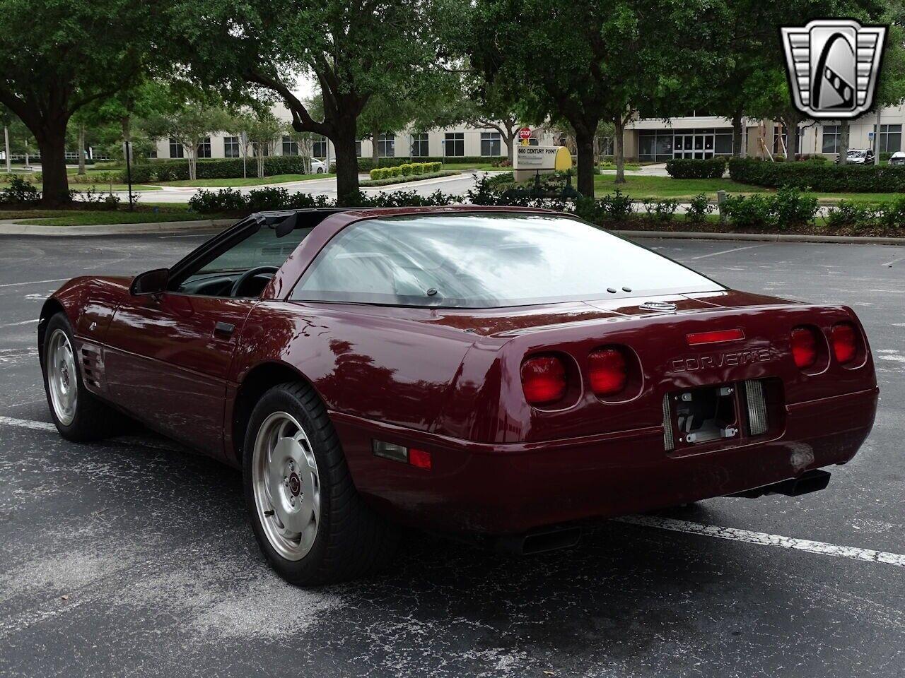 1993 Red Chevrolet Corvette     C4 Corvette Photo 6