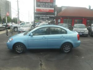 2010 Hyundai Accent MINT/ LIKE NEW / SUPER LOW KM/ FUEL SAVER/
