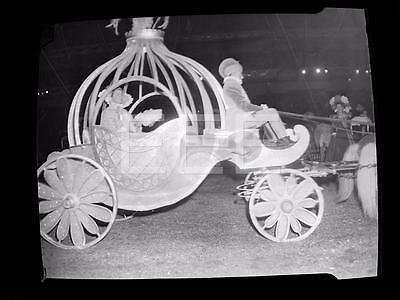 1947 Cinderella Wagon Ringling Bros Barnum Bailey Circus Old Photo Negative 285i