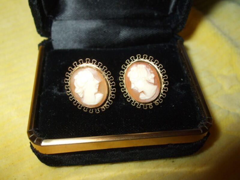 Vintage gf 12K UNCAS Shell Carved Cameo Opposite Facing Screwback Earrings MINT