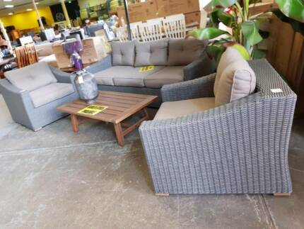 BOXED!! 4 piece outdoor patio deck woven lounge setting
