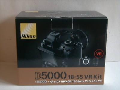 Nikon D5000 12.3 MP DSLR Kamera - Schwarz (Kit m/ 18-55mm Objektiv) Nikon D5000 Dslr Kit