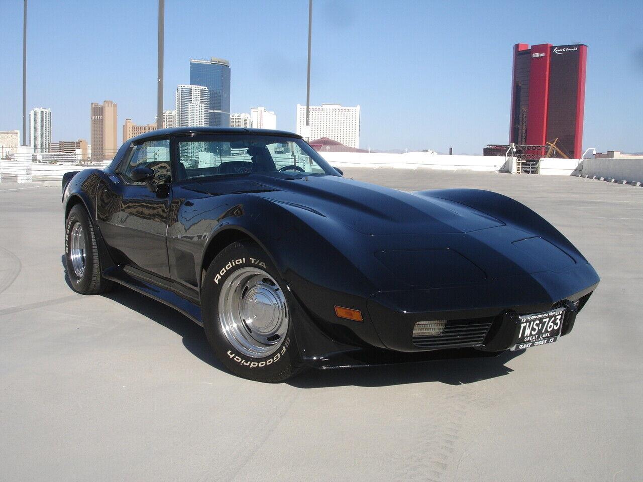 1979 corvette 30k orig miles.  C3 T-Top      Tastefully upgraded by adult owner