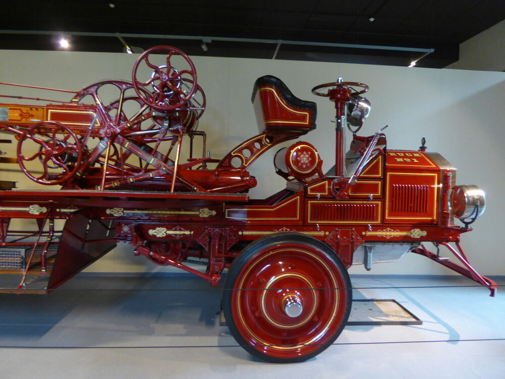 American Lafrance Hook and Ladder Arial Type 31-6 1922