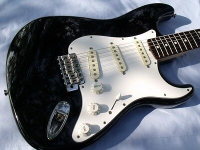MIJ Fender Squier E Series Strat,All Original,W/ Gigbag