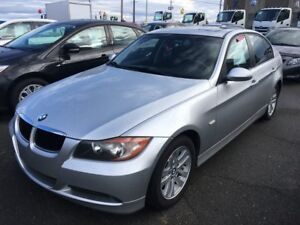 2008 BMW 3 Series 323i AC VITRES CUIR TOIT OUVRANT