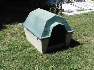 Large plastic moulder dog kennel Amaroo Gungahlin Area Preview