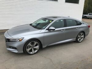 2018 Honda ACCORD SDN TOURING 1.5T Touring Home of the Royal Tre