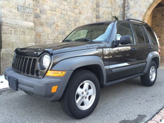 Image 1 of Jeep: Liberty 4dr Sport…