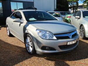 2007 Holden Astra AH MY07 Twin TOP Gold 4 Speed Automatic Convertible Minchinbury Blacktown Area Preview