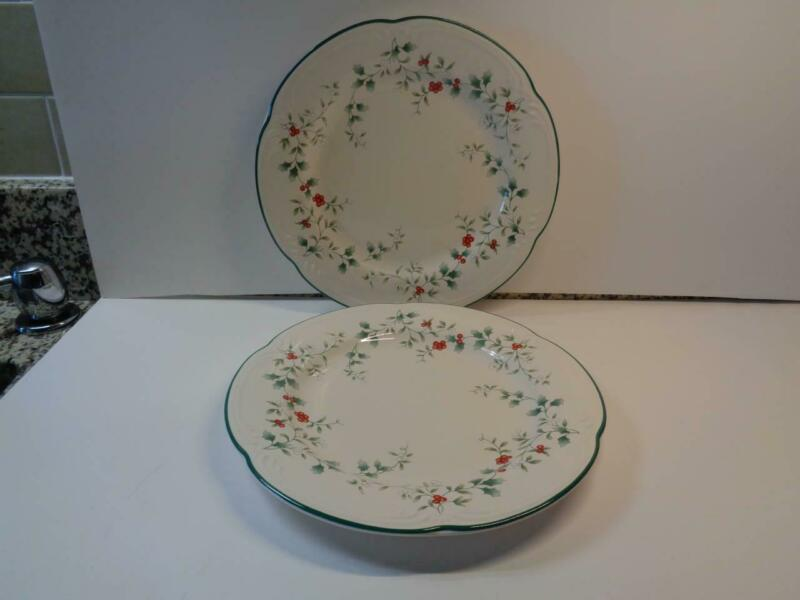 "Set of 2 Pfaltzgraff Winterberry 10 3/8"" Dinner Plate Holly leaves & Berries USA"