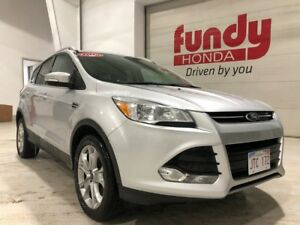 2014 Ford Escape Titanium w/Navi, leather, power seat ONE OWNER,