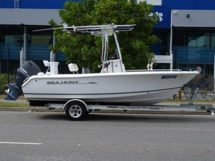 2012 Sea Hunt 188 Triton with F115 Yamaha fourstroke 84 hours Brookwater Ipswich City Preview