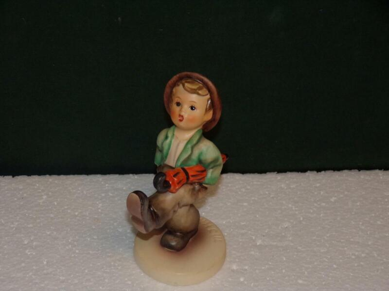 "HUMMEL-FIGURINE /THE HAPPY TRAVELER #109 - 5"" TALL - W. GERMANY-TMK 6"