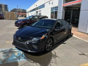 2018 Toyota Camry SE Améloré 2018 Camry Demo available to LEASE,