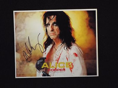 Signed Alice Cooper 8 X 10 Photo Rock N Roll Hall of Fame Member