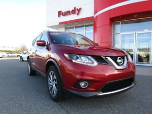2015 Nissan Rogue SL w/Alloy, navi, bose sound sys, leather