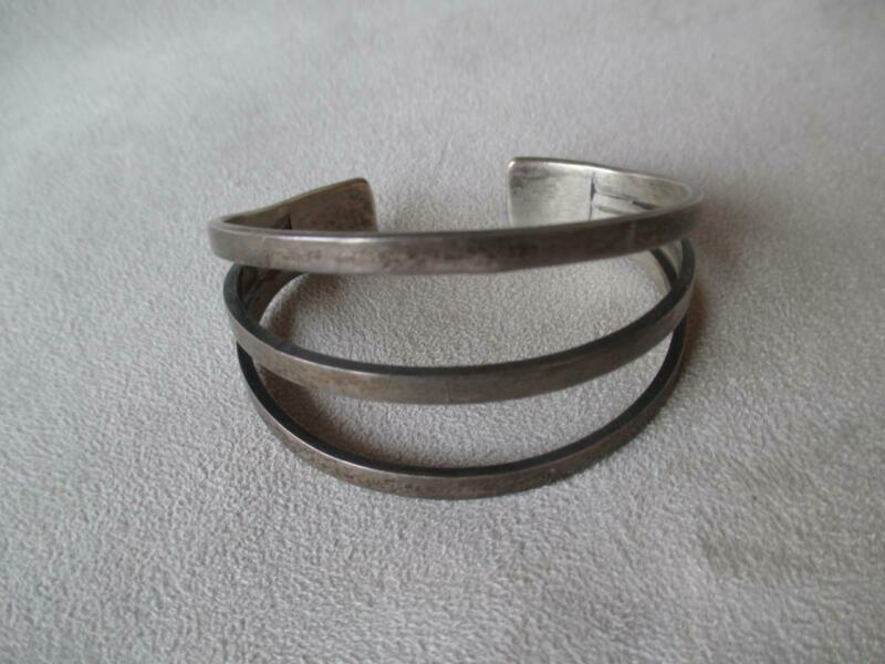 GREAT VINTAGE EARLY MEXICAN STERLING SILVER CUFF BRACELET