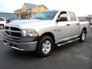 2017 RAM 1500 SXT CrewCab 4X4 5.7L Hemi 5ft Box