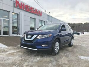 2017 Nissan Rogue SV FWD NEW ARRIVAL!