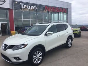 2016 Nissan Rogue AWD SV W/Moonroof & TECH PKG 4 New Tires & Bra