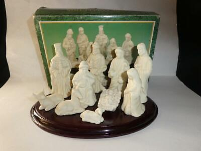 Jade Collection 11 Piece Nativity Set with Wood Base