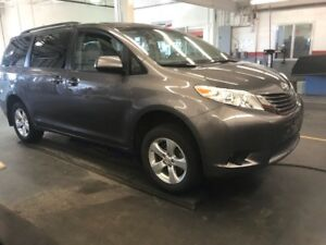 2017 Toyota Sienna LE V6 8PASSAGERS SIEGES CHAUFFANTS CAMERA REC