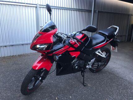 Honda CBR125R ( 2008 ) Swap/Trade great condition.