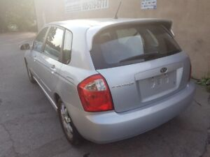 2005 Kia Spectra5 ONLY 106,000 KMS!  4 CYLINDER, AUTO