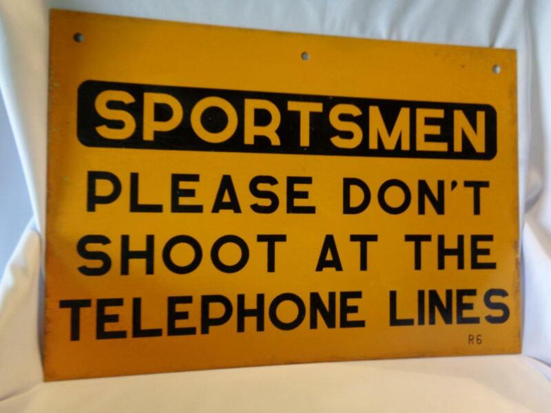 """Double-Sided Metal Sign """"SPORTSMEN PLEASE DON"""