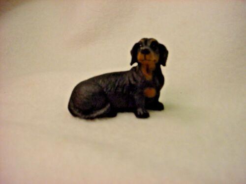DACHSHUND black puppy DOG Resin Figurine HAND PAINTED MINIATURE Small MINI NEW