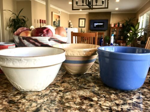 Set of 3 Vintage Ceramic Mixing Bowls