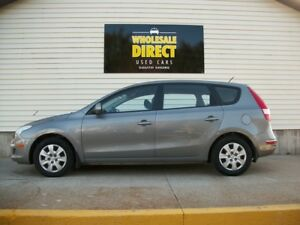 2012 Hyundai Elantra LOW MILEAGE HATCHBACK