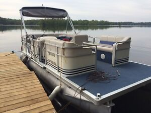 20ft Sunliner pontoon boat with 50hp mercury