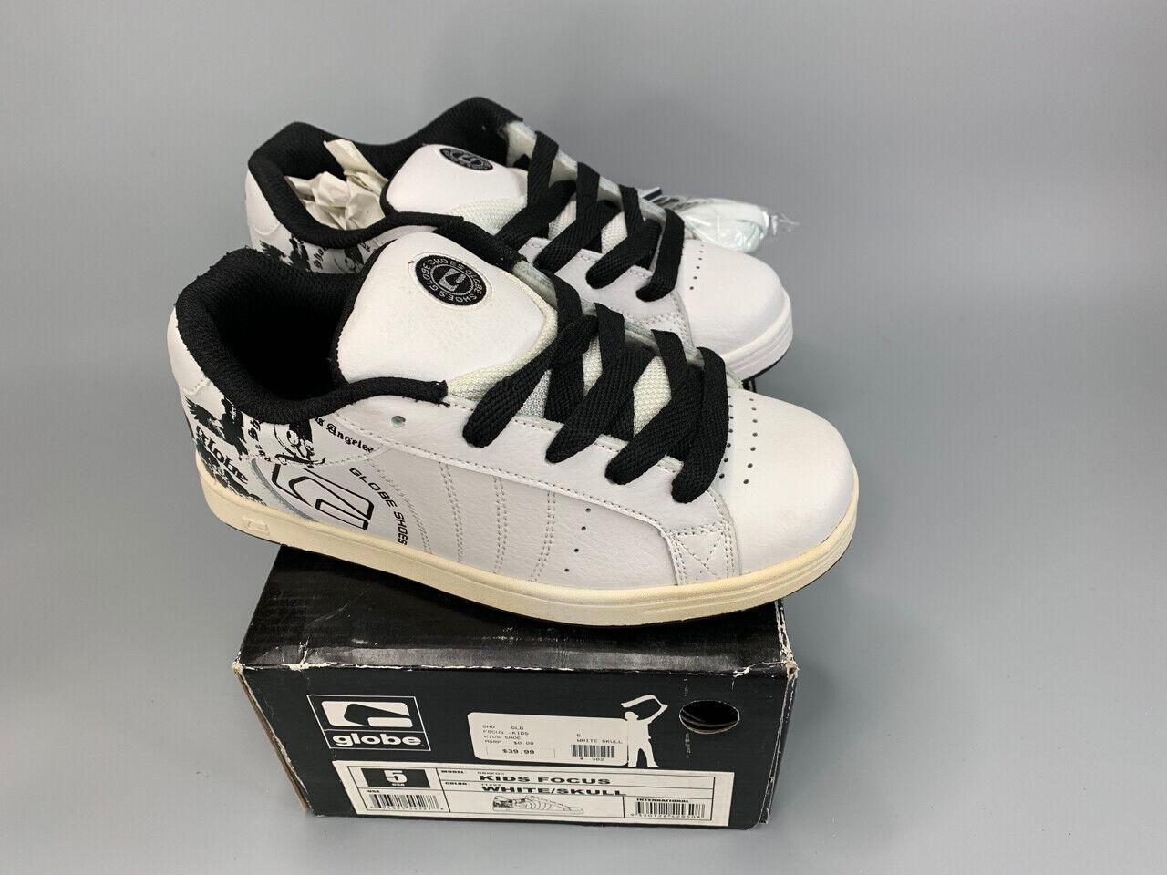 NEW GLOBE FOCUS KIDS Skateboard Skate Shoes Youth Size 5.0 N